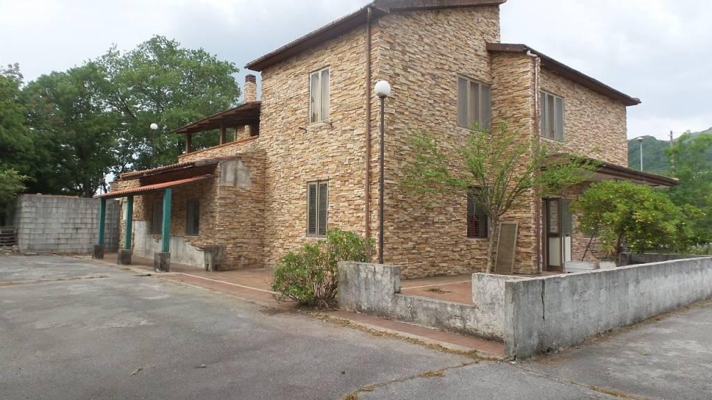 Villa in vendita a Trecchina, 3 locali, prezzo € 55.000 | PortaleAgenzieImmobiliari.it