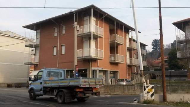 Appartamento in buone condizioni in affitto Rif. 4863254