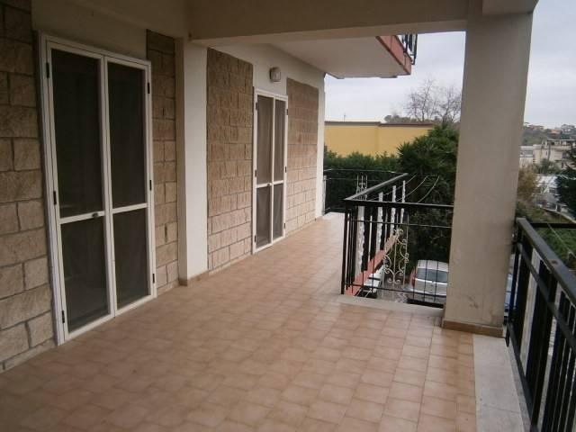 Appartamento in buone condizioni in affitto Rif. 4243084