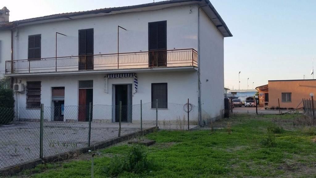 Rustico / Casale da ristrutturare in vendita Rif. 8691054