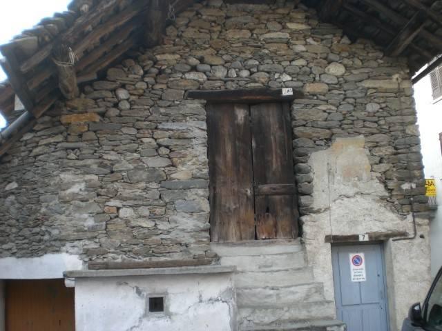 Rustico / Casale da ristrutturare in vendita Rif. 8198627