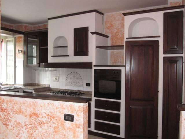 Appartamento in vendita a Pontedassio, 5 locali, prezzo € 170.000 | CambioCasa.it