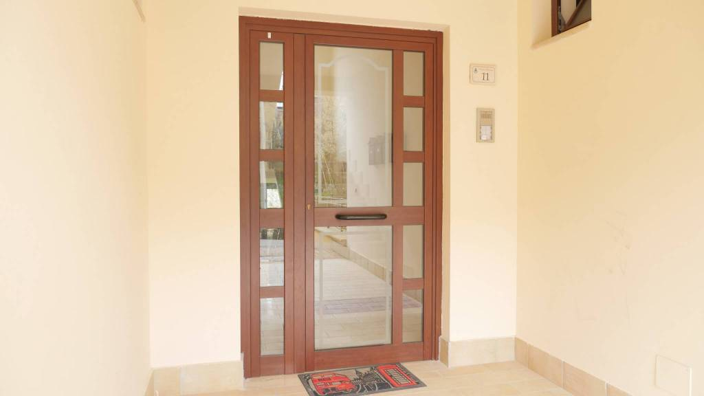 Appartamento in ottime condizioni arredato in vendita Rif. 8327465
