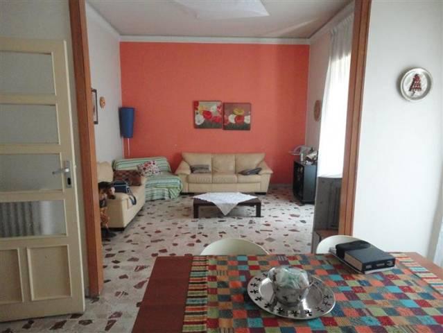 Appartamento da ristrutturare in affitto Rif. 4820271
