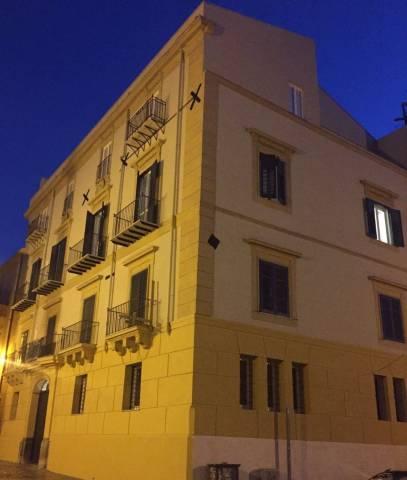 Appartamento in Vendita a Palermo Centro: 3 locali, 128 mq