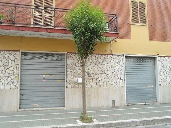 Locale commerciale Aprilia Centro Rif. 7676277