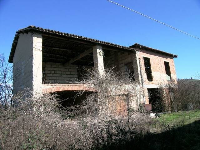 Rustico / Casale in vendita a Penango, 6 locali, prezzo € 90.000 | CambioCasa.it