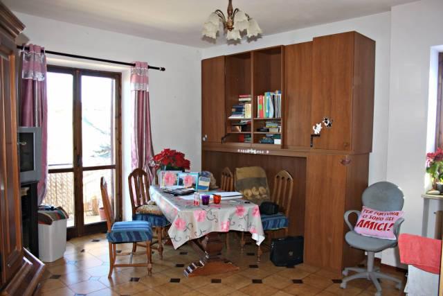 Appartamento in buone condizioni in vendita Rif. 4200388