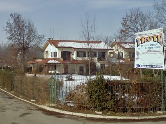 Villa in vendita a Fossano, 6 locali, prezzo € 115.000 | CambioCasa.it