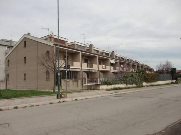 Villetta a schiera in ottime condizioni in vendita Rif. 4954310