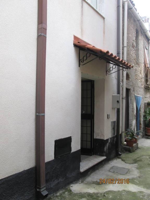 Appartamento in vendita a Gioiosa Ionica, 3 locali, prezzo € 55.000 | CambioCasa.it