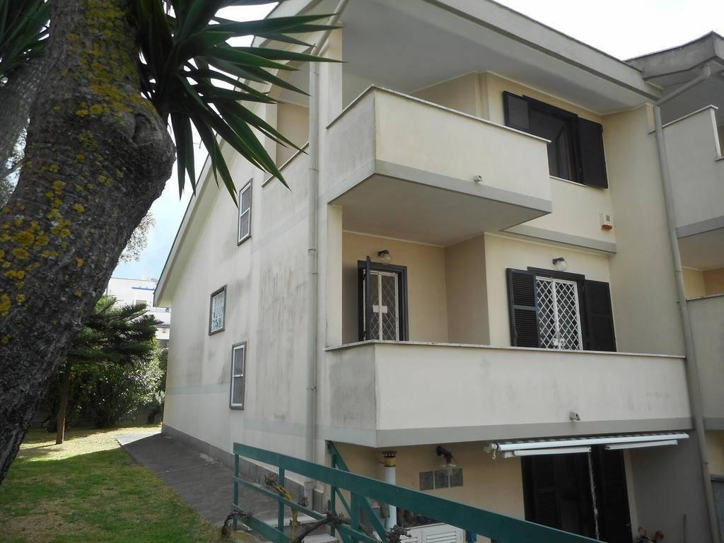 Villa quadrilocale in vendita a Anzio (RM)