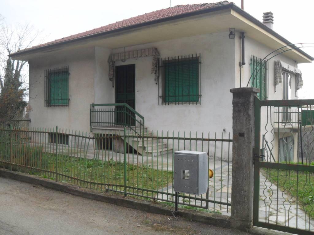 Villa in vendita a Camerano Casasco, 3 locali, prezzo € 85.000 | PortaleAgenzieImmobiliari.it