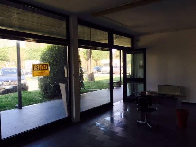 Negozio-locale in Vendita a Ravenna Semicentro:  2 locali, 100 mq  - Foto 1