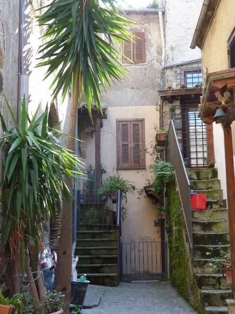 Appartamento in ottime condizioni parzialmente arredato in vendita Rif. 8311359
