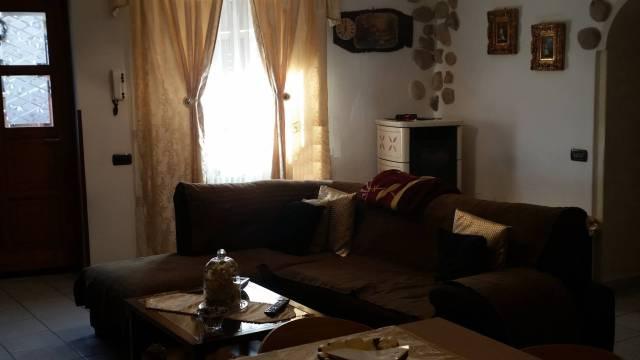 Appartamento in buone condizioni in vendita Rif. 4829811