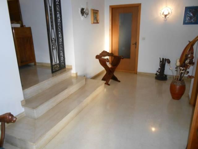 Villa in ottime condizioni parzialmente arredato in vendita Rif. 4261109