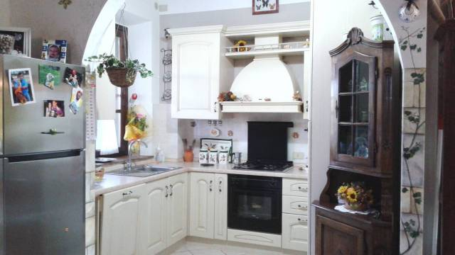 Appartamento in ottime condizioni parzialmente arredato in vendita Rif. 4874862