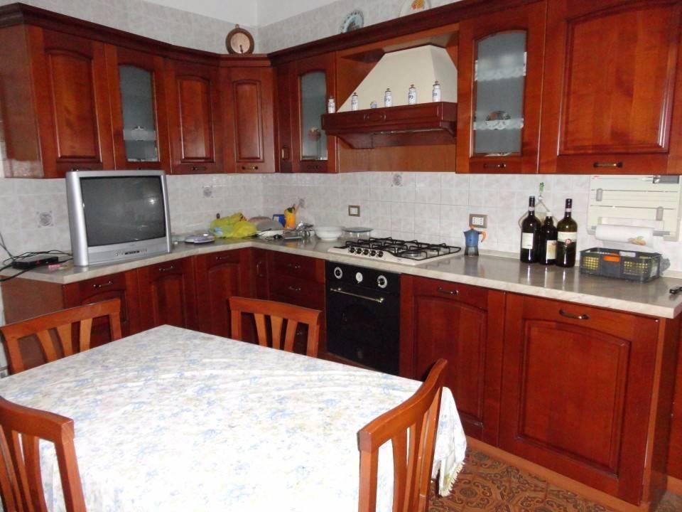 Appartamento in vendita a Alessandria, 6 locali, prezzo € 178.000 | CambioCasa.it