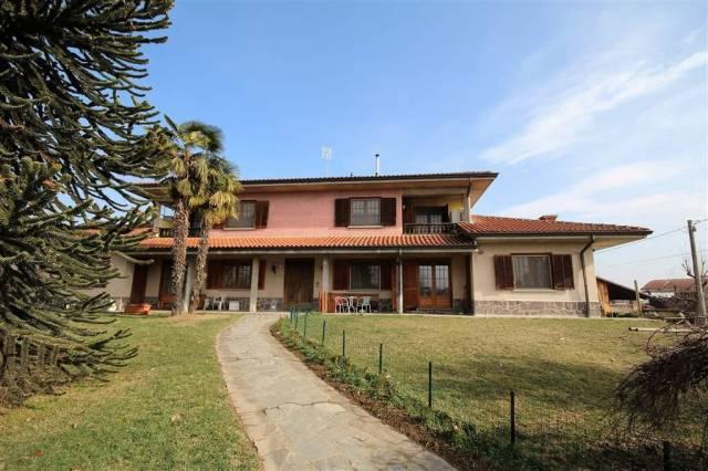 Appartamento in ottime condizioni in vendita Rif. 4813377