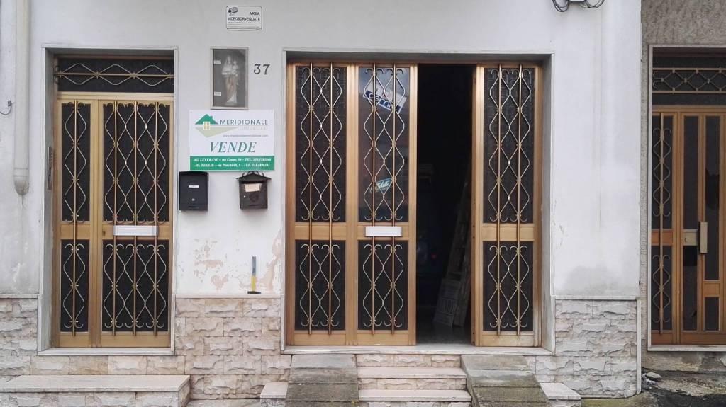 Appartamento in vendita a Salice Salentino, 6 locali, prezzo € 78.000 | CambioCasa.it