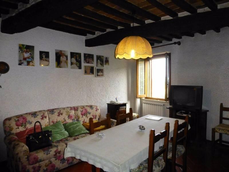 Appartamento in buone condizioni in vendita Rif. 7566470