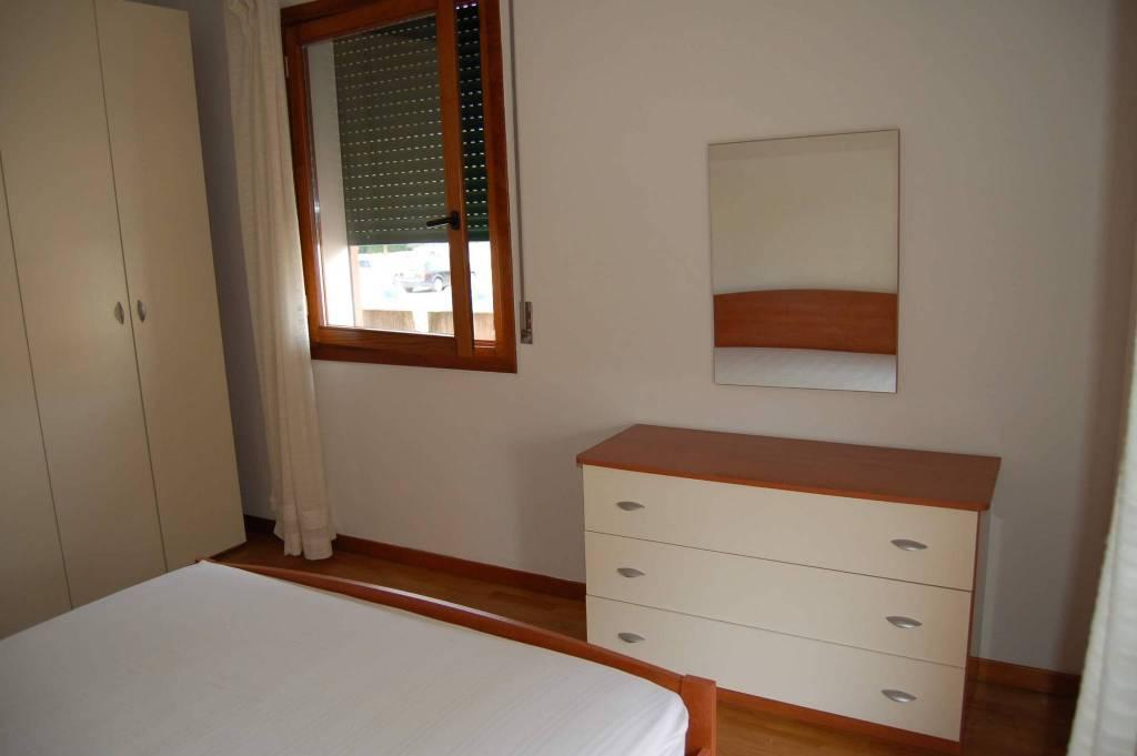 Appartamento in buone condizioni arredato in vendita Rif. 8936107