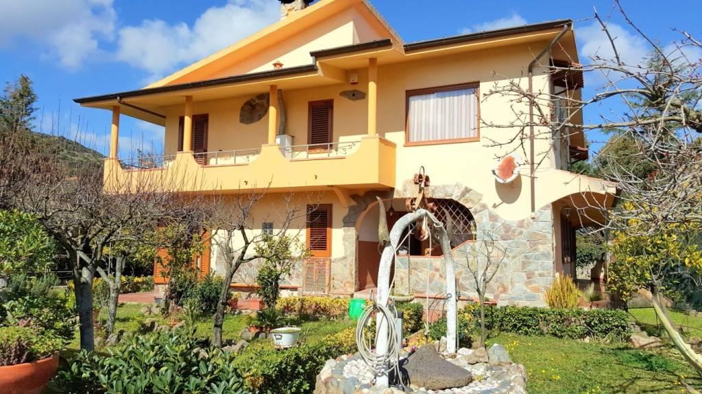 Villa in ottime condizioni in vendita Rif. 4341730