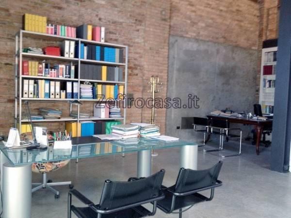 Ufficio-studio in Vendita a Reggio Emilia Semicentro: 350 mq