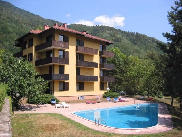 Appartamento in ottime condizioni arredato in vendita Rif. 4386150