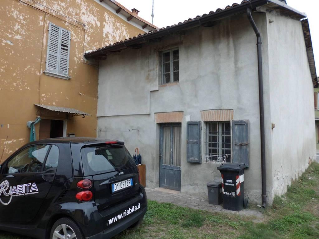 Villa in Vendita a Podenzano Periferia: 5 locali, 200 mq