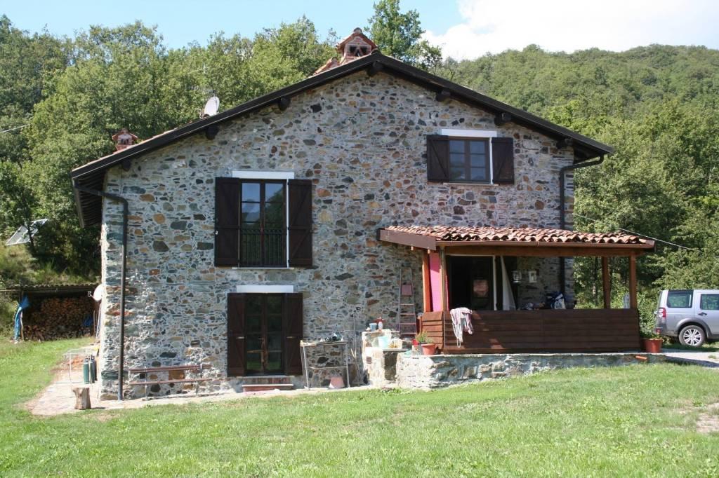 Foto 1 di Rustico / Casale via Val Carbonasca, Voltaggio