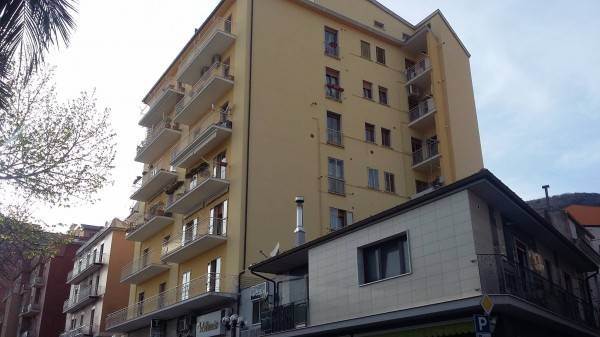 Appartamento in buone condizioni in vendita Rif. 6946929