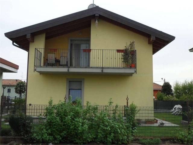 Appartamento in ottime condizioni in vendita Rif. 4602192
