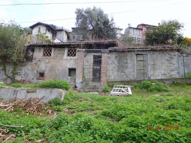 Rustico trilocale in vendita a Bellano (LC)