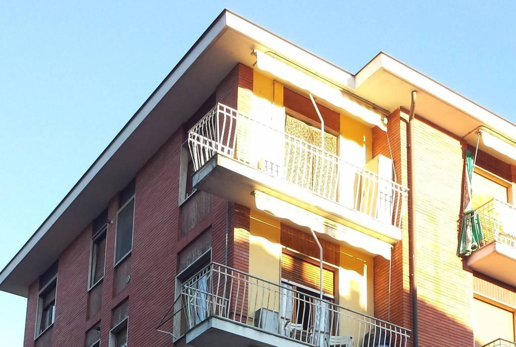 Appartamento in buone condizioni arredato in affitto Rif. 4277499