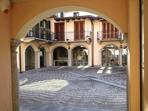 Negozio / Locale in affitto a Borgomanero, 2 locali, prezzo € 450 | CambioCasa.it