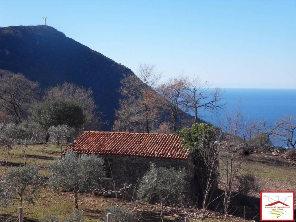 Rustico / Casale in vendita a Maratea, 3 locali, prezzo € 155.000 | CambioCasa.it