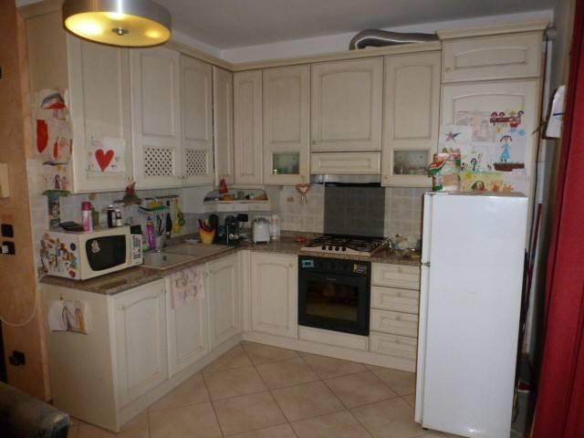 Appartamento parzialmente arredato in vendita Rif. 6840548