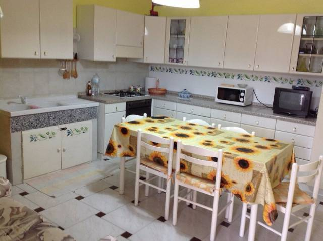 Appartamento in buone condizioni parzialmente arredato in vendita Rif. 4900969