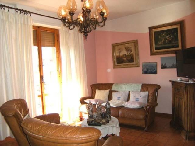 Appartamento in buone condizioni in vendita Rif. 4812445