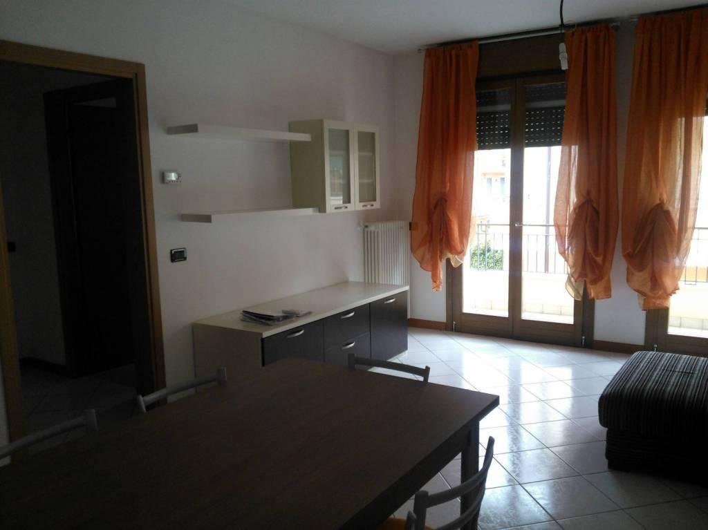 Appartamento in buone condizioni arredato in vendita Rif. 6920692