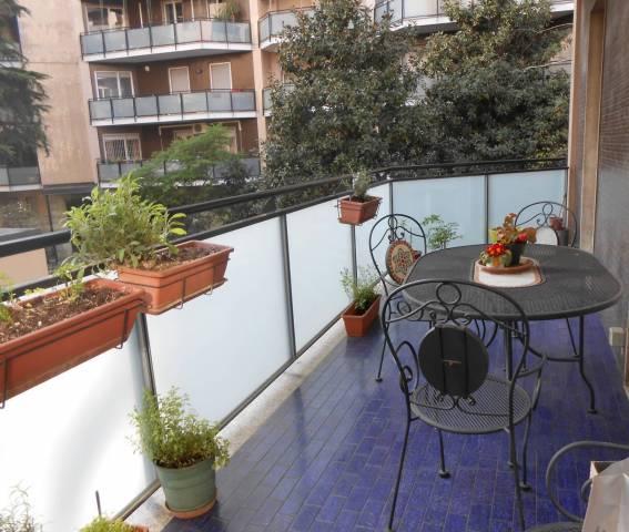Appartamento in vendita 3 vani 92 mq.  via Mario Morgantini 14 Milano