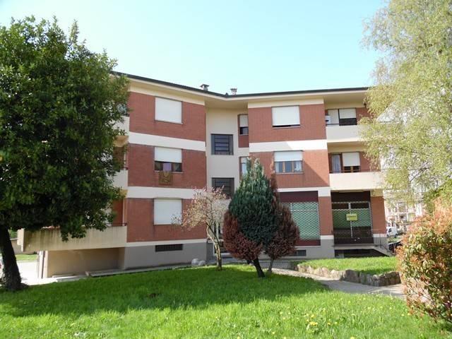 Appartamento in buone condizioni parzialmente arredato in vendita Rif. 6034847