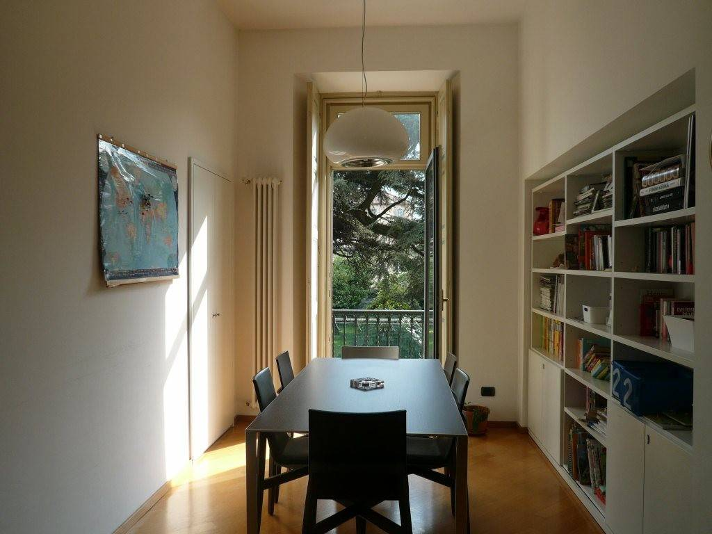 Appartamento in ottime condizioni arredato in affitto Rif. 8133757