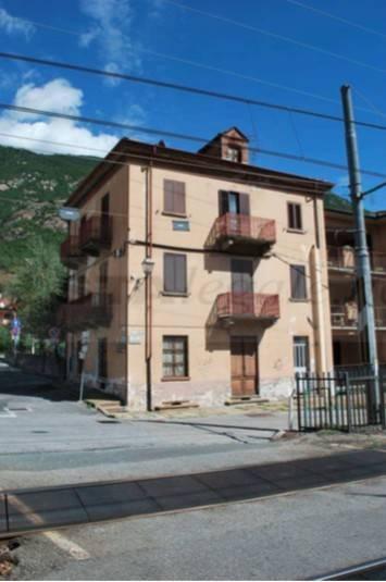 Appartamento in ottime condizioni in vendita Rif. 8832652