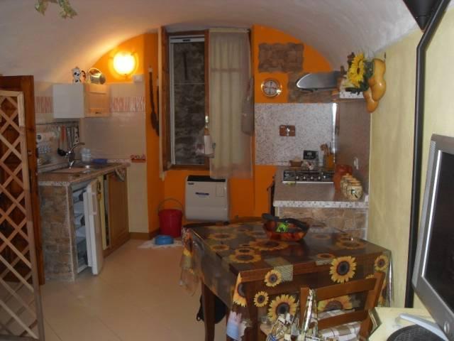 Appartamento in ottime condizioni arredato in vendita Rif. 4866332