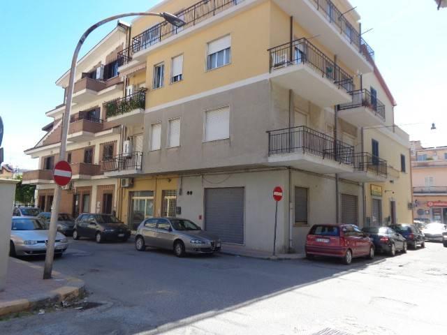 Appartamento in buone condizioni in vendita Rif. 4221229