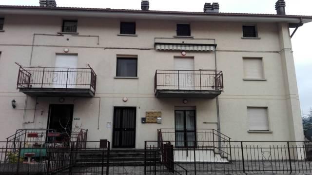 Appartamento in buone condizioni parzialmente arredato in vendita Rif. 4908018
