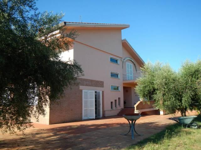 Villa-Villetta Vendita Montecassiano